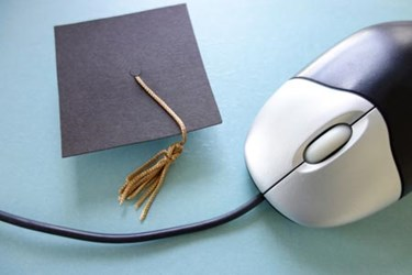 BSM-mouse graduation cap