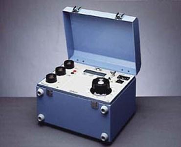 Microhmmeter MOM 690
