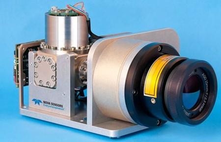 InSb MWIR Camera: Cruz 1280-12