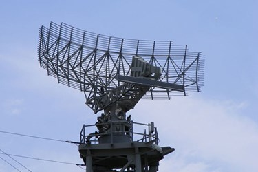 640px-HMAS_Adelaide_FFG01_main_radar_Dish