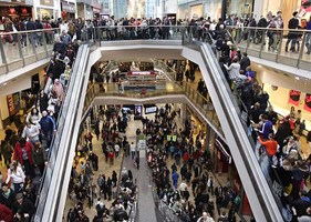 Free Over Fast: Consumers Pressuring Retailers For Holiday Deals