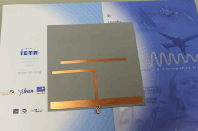 High-Gain Broadband Printed Yagi Antenna For applications In ISM Bands