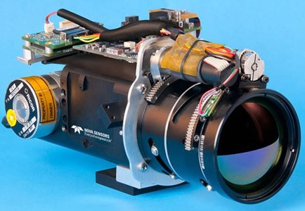 InSb MWIR Camera: Cruz 640-15