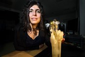 """New Bionic Hand Uses """"Smart Wires"""" To Mimic Human Muscles"""