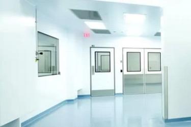 Pharma cleanroom wall