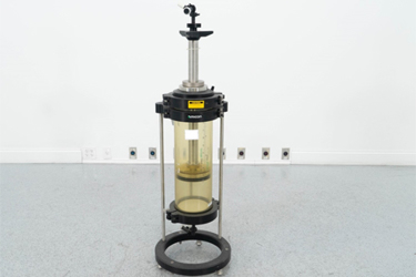 Amicon Vantage Chromatography Column.jpg