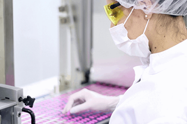 The Basics Of Cleanroom Design & Material Transfer For Microbial Control