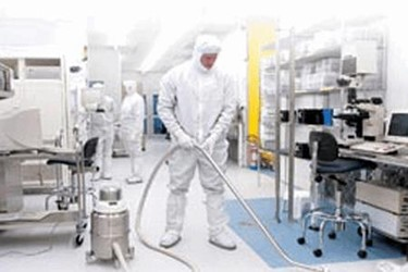 How Do I Choose The Right Portable Dust Collector Or Cleanroom Vacuum?