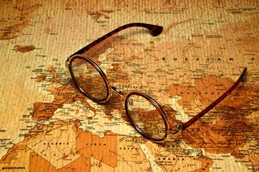 map glasses_450x300