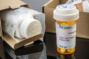 Pharmaceutical shipping packaging