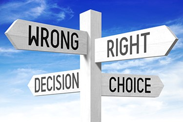 sign-mistakes-choices-decisions-right-wrong_450x300