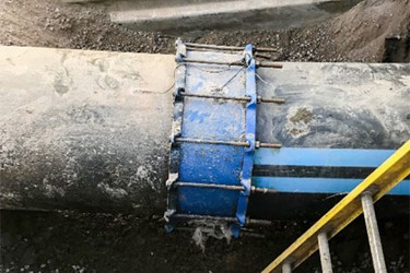 Repair Of Failed Bolt Coupling Connection From Pit Cast Iron Pipe To High Density Polyethylene Pipe
