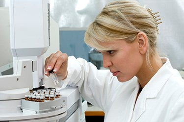 iStock_scientist at work in lab 450by300