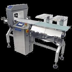 Combination Checkweigher and Metal Detector Equipment:   Beltweigh XC CombiChecker