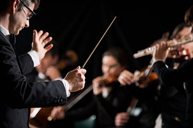 Orchestra conductor 450x300