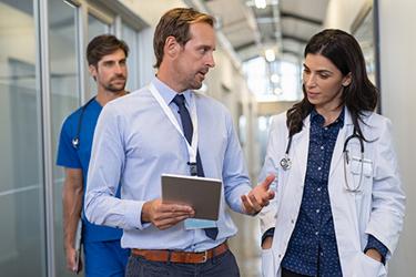 doctor ipad iStock-1189303763.jpg